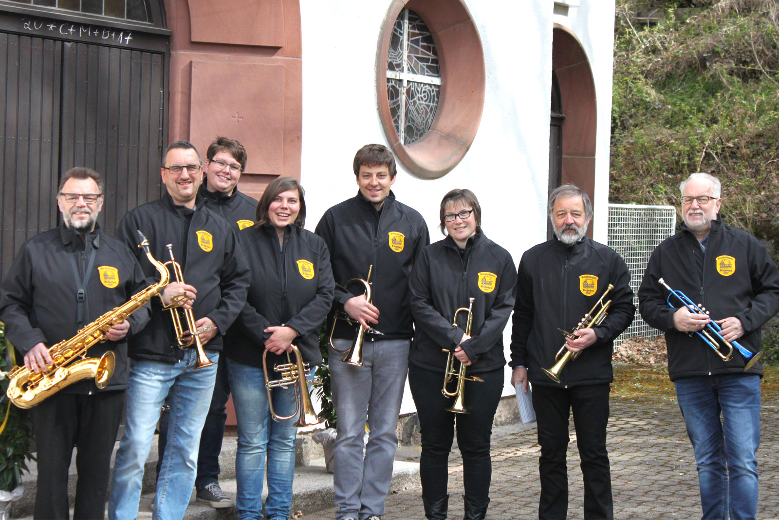 Mitwirkende Musiker bei der Prozession in Aschbach