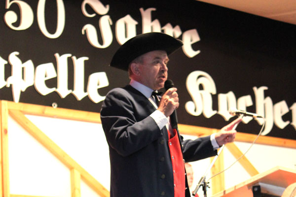 Moderator Dieter Emig