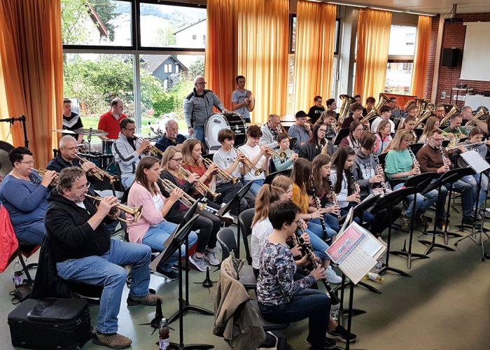 gemeinsame Probe mit den Musikern des Überwald-Gymnasiums